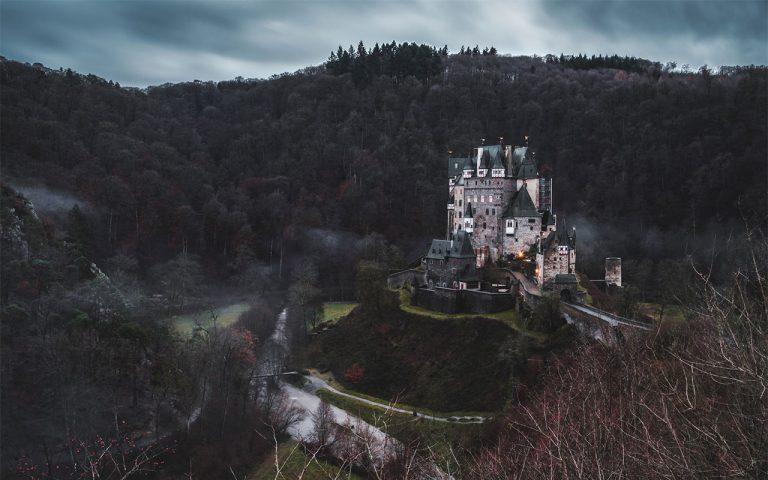 Burg_Eltz_Eifel_Natur_wandern_jonas-verstuyft_web